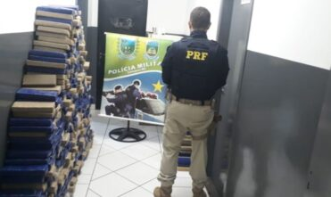 Após perseguição, PRF apreende 581 quilos de maconha em Camapuã