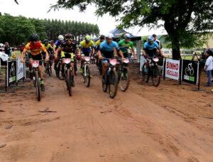 Desafio ao Amor ao Próximo reuniu dezenas de ciclista na Hípica da APAE